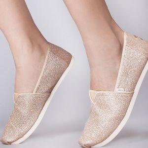 Toms Winn Classic Champagne Glitter Loafers
